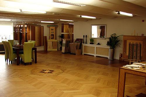 showroom01.jpg